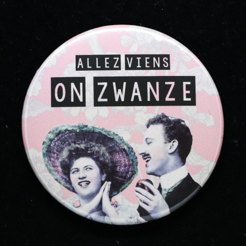Badge Zwanze Red Orb Créations