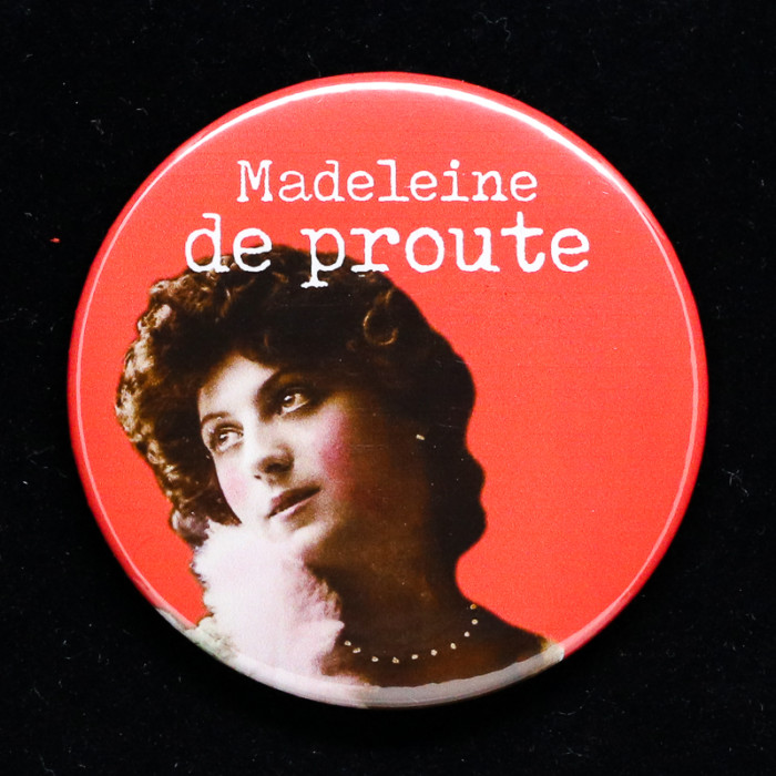 Badge madeleine 2 Red Orb Creations