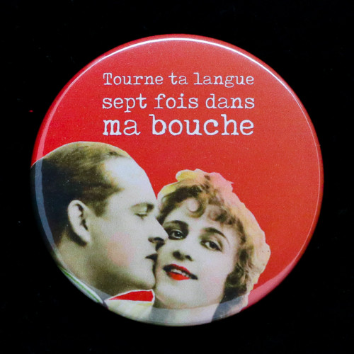 Badge bouche Red Orb Créations